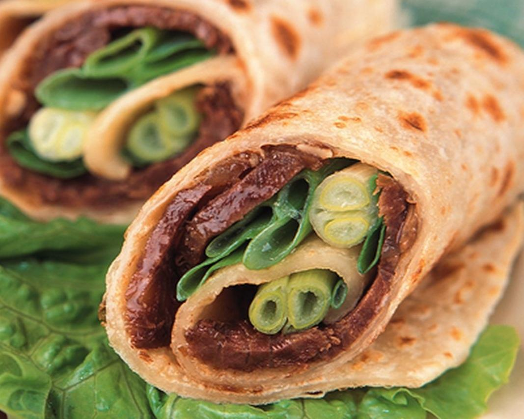Rolled Pancake w/ Sliced Beef